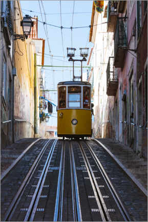 Canvastavla  Yellow cable car in Lisbon - Matteo Colombo