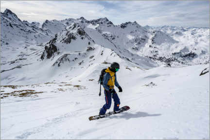 Premiumposter  Ski tourers with splitboard on the descent - Moritz Wolf