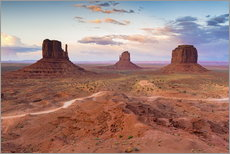 Galleritryck  Monument Valley at dusk - Chris Hepburn
