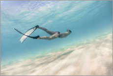 Premiumposter Woman dives in pastel blue water