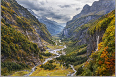 Akrylglastavla  Remote valley in the Alps - The Wandering Soul