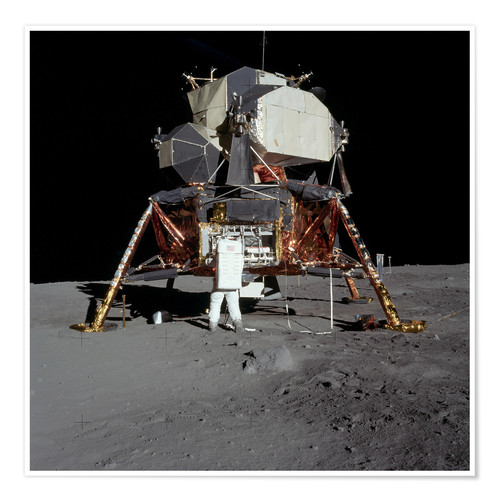 Premiumposter An Apollo 11 astronaut before the Lunar Module