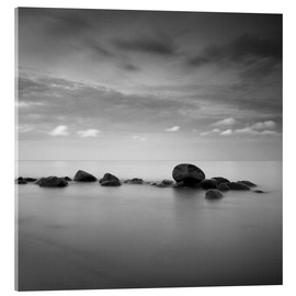 Akrylglastavla  Stones on the sea beach - black and white - Frank Herrmann