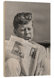 Trätavla  John F. Kennedy with a newspaper - John Parrot