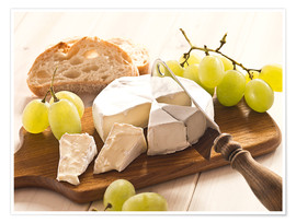 Premiumposter  Cheese and grapes - Edith Albuschat