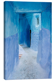 Canvastavla  Blue walls and door in medina in Chefchaouen, Morocco - Alejandro Moreno de Carlos