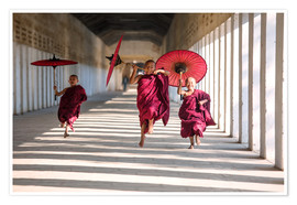 Premiumposter  Young monks running - Matteo Colombo