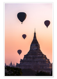 Premiumposter  Temple at sunrise with balloons flying, Bagan, Myanmar - Matteo Colombo