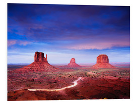 PVC-tavla  Panorama of Monument Valley at dusk after sunset, Utah, USA - Peter Wey