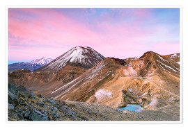 Premiumposter Awesome sunrise on Mount Ngauruhoe and red crater, Tongariro crossing, New Zealand