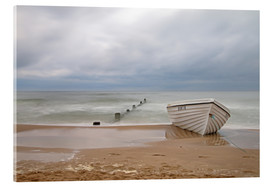 Akrylglastavla  fishing boat on the Baltic beach - Simone Splinter