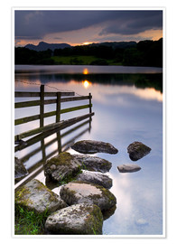 Premiumposter  Loughrigg Tarn in England - Jeremy Lightfoot