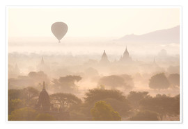 Premiumposter  Balloon above the Bagan temples - Lee Frost