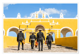Premiumposter  Mariachi band with sombreros in an old monastery, Mexico - Matteo Colombo