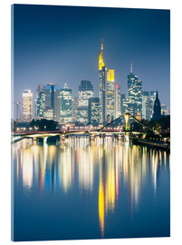 Akrylglastavla  Frankfurt skyline reflected in river Main at night, Germany - Matteo Colombo