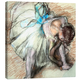 Canvastavla  Dancer adusting Her Shoe - Edgar Degas