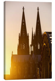 Canvastavla  Sunset behind the Cologne Cathedral