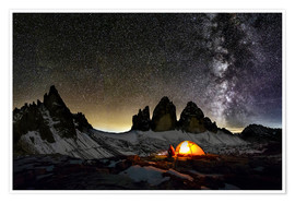 Premiumposter  Loneley camper with Milky Way at Dolomites - Dieter Meyrl