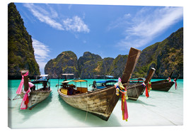 Canvastavla  Long tail boat at Maya Bay on the island of PhiPhi
