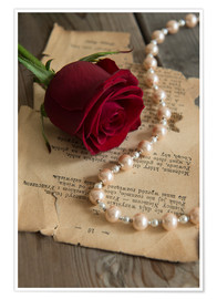 Premiumposter Red rose, pearls and letter
