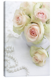 Canvastavla  Pastel-colored roses with pearls