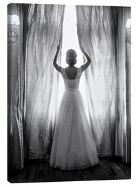 Canvastavla  Elegant bride at big window