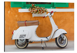 Aluminiumtavla  White scooter in front of a window