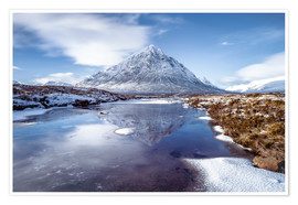Poster  Buachaille Etive Mor and River Coupall, Glen Coe (Glencoe), Highland region, Scotland, United Kingdo - Karen Deakin