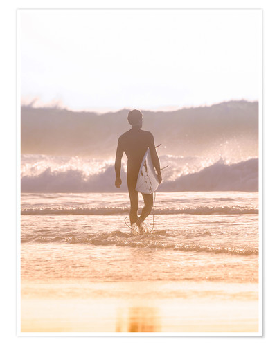 Poster Lonely surfer on the beach