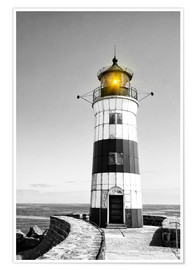 Premiumposter  Lighthouse with yellow light