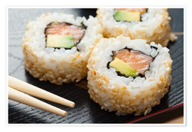 Premiumposter  Sushi on wooden plate with chopsticks