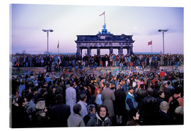 Akrylglastavla  Berliners from East and West celebrating the opening of the border at the Berlin Wall