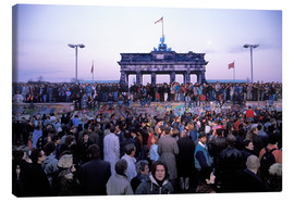Canvastavla  Berliners from East and West celebrating the opening of the border at the Berlin Wall