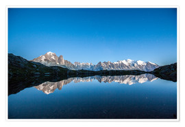 Premiumposter  Mont Blanc reflected in Lacs des Chéserys, France - Roberto Sysa Moiola