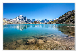 Premiumposter  Mont Blanc is reflected in Lacs des Chéserys, Chamonix, France - Roberto Sysa Moiola
