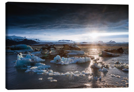 Canvastavla  Midnight sun at Jokulsarlon lagoon, Iceland - Matteo Colombo