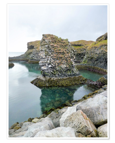 Premiumposter Rocky coastal scenery in Iceland
