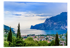 Akrylglastavla  View of Riva Del Garda and Lake Garda, Italy