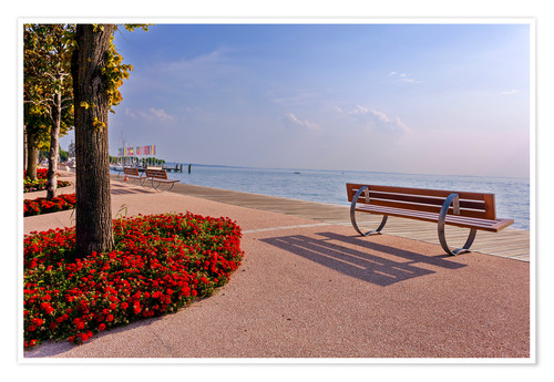 Premiumposter Picturesque Bardolino, promenade on Lake Garda