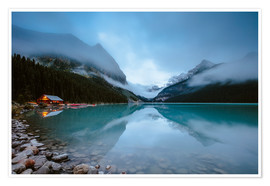 Premiumposter Misty lake Louise, Banff, Canada