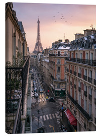 Canvastavla  Street in Paris with Eiffel tower at sunset - Jan Christopher Becke