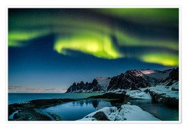 Premiumposter  Aurora Borealis above the island of Senja (Northern Norway) - Sascha Kilmer