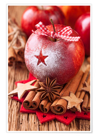 Premiumposter Red winter apples with cinnamon sticks and anise